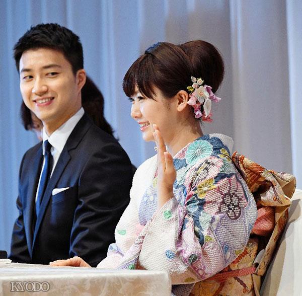 日媒:福原爱正式宣布结婚 身着和服满面笑容