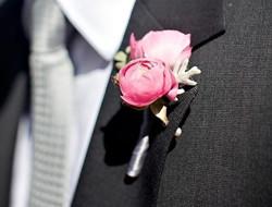 牡丹花胸花图片 新郎胸花