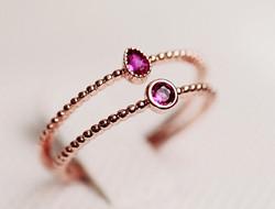 色彩感十足的新娘戒指 装饰指尖