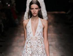 新娘穿晚礼裙 最是那一凝眸的高贵