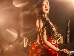 红酒色典雅女子写真