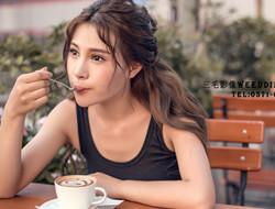 独坐相思椅 咖啡女孩