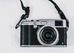 复古微单相机图片(11张)