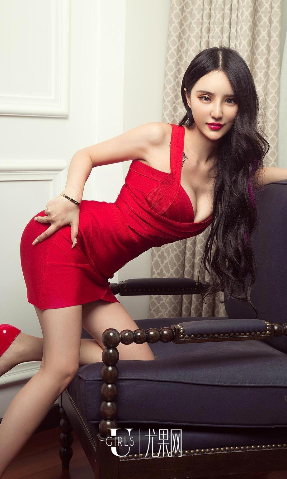 妖娆美女陈雅漫Vicky美胸内衣性感人体写真