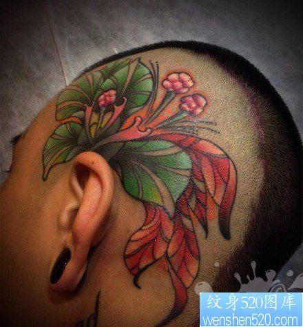 头部彩色百合花纹身图案图片