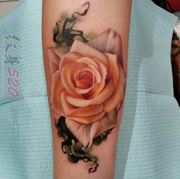 娇艳的彩绘技巧抽象线条文艺花朵纹身图案