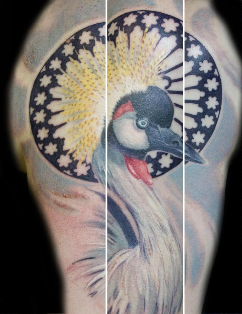 好看的彩色仙鹤与花环纹身图案