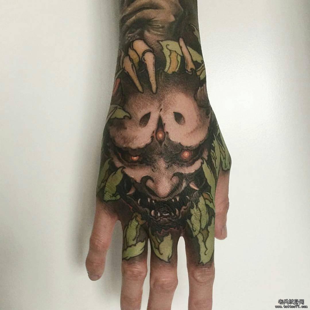 手背传统般若彩绘纹身图案