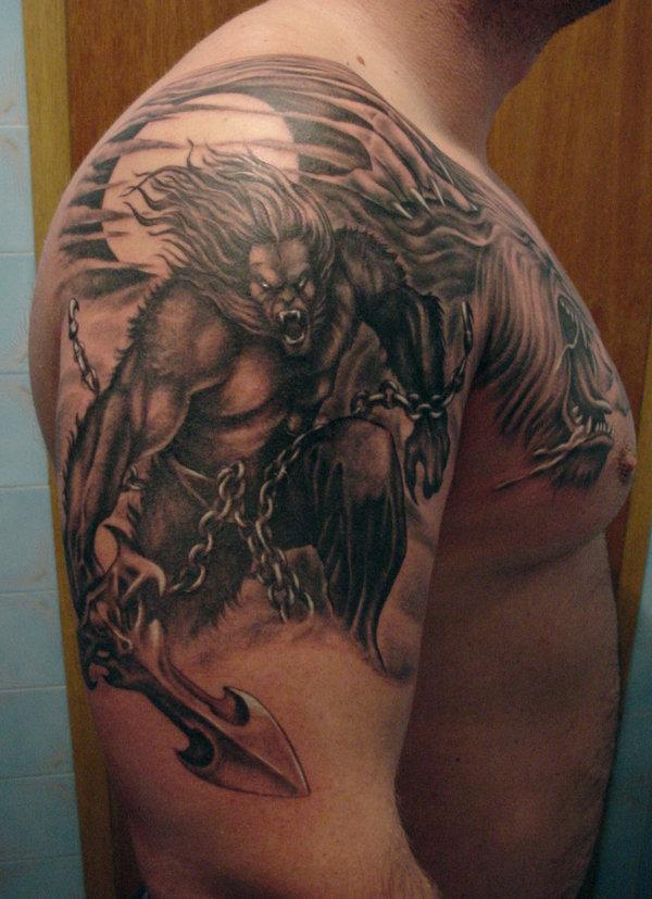 肩部狼人撕裂链纹身图案