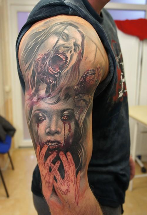 手臂上的血腥僵尸女郎纹身图案
