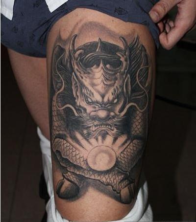 经典神兽大腿纹身