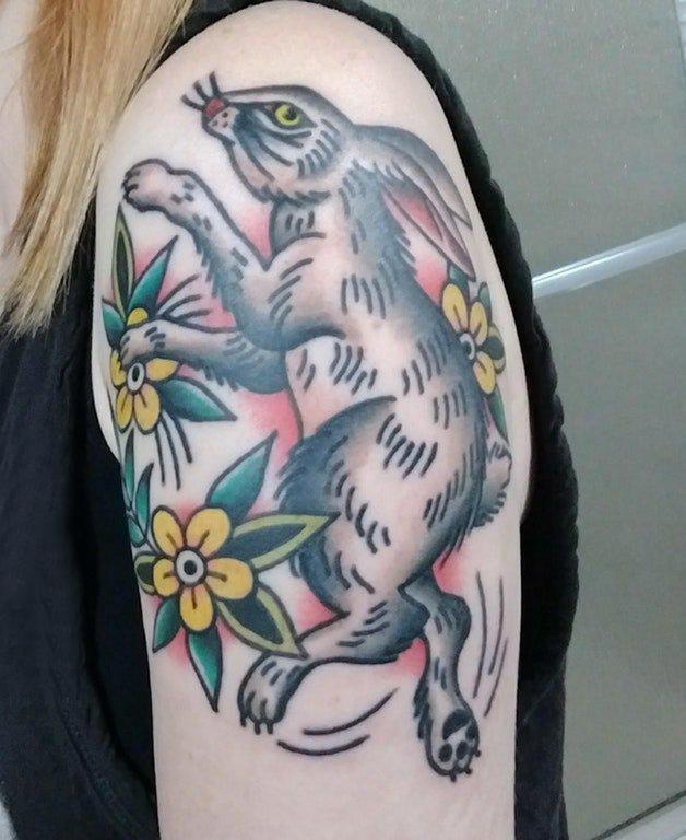 兔子纹身图案 女生手臂上兔子纹身图案