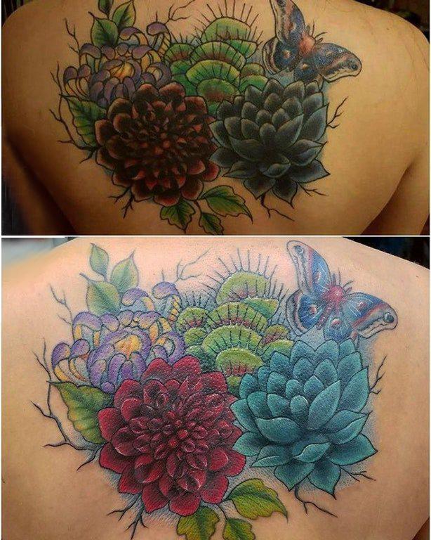 文艺花朵纹身 男生背部花朵纹身图片