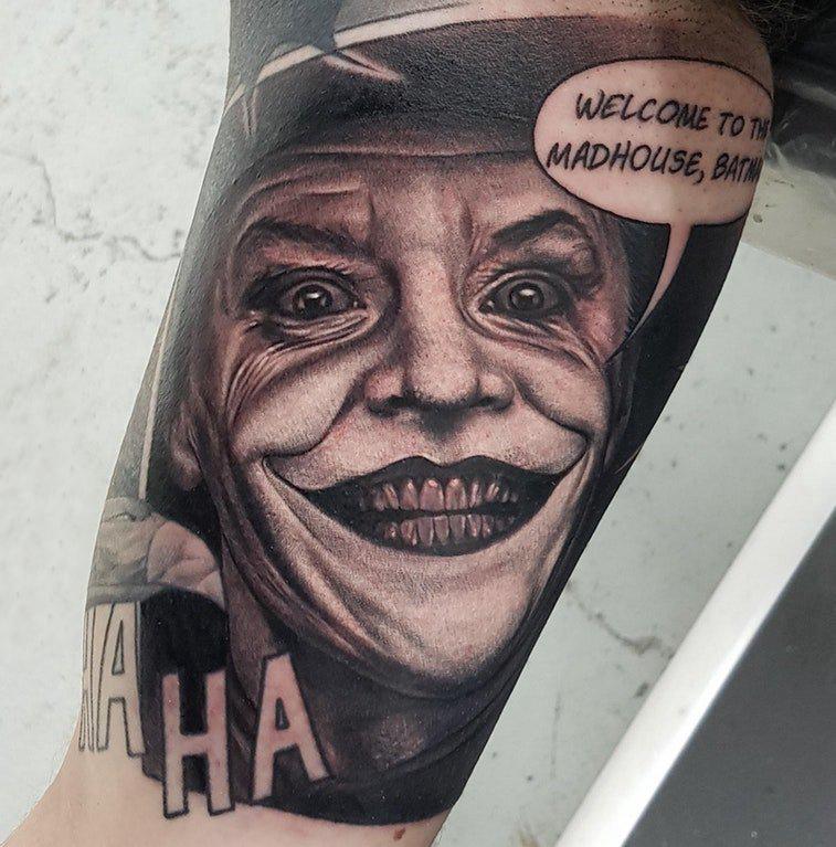 小丑纹身 男生手臂上小丑纹身图片