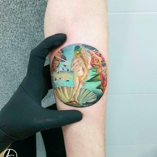 纹身小臂花纹  女生手臂上小清新风景纹身图片
