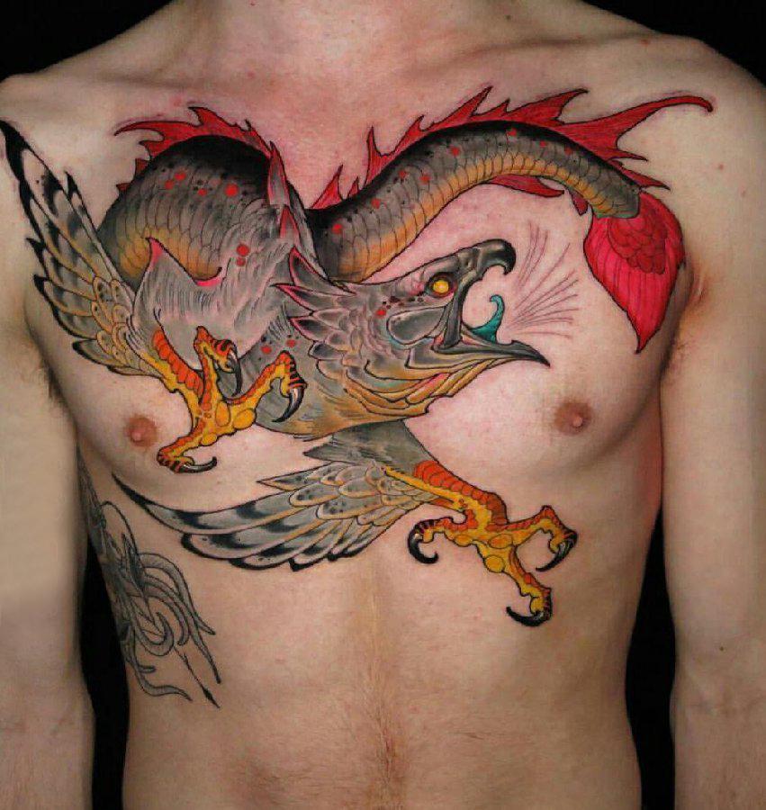 纹身胸部男 男生胸部勇猛的老鹰纹身图片
