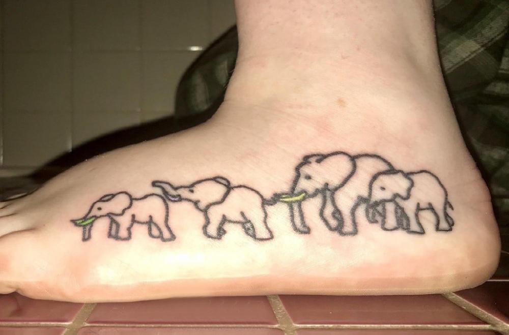 象纹身 男生脚部象纹身图片