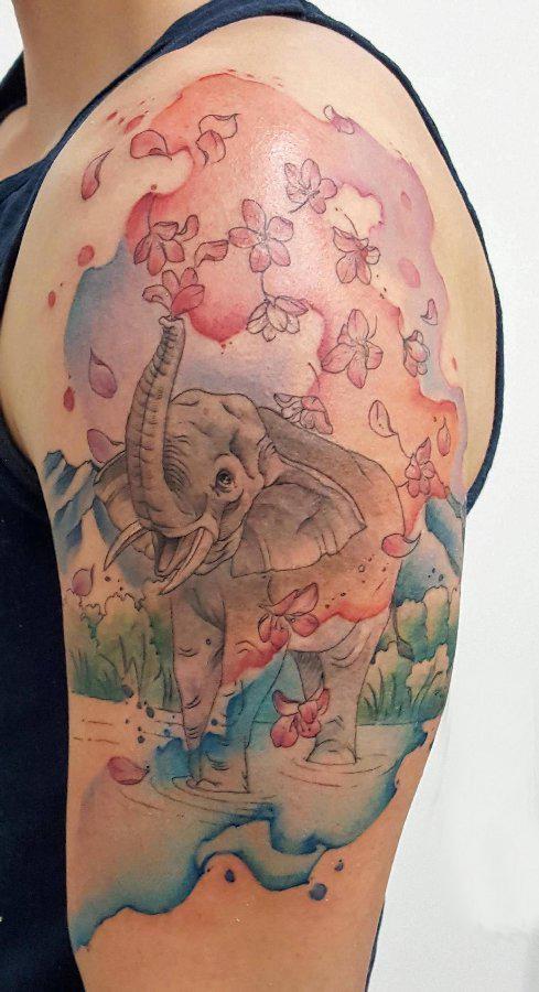 象纹身 男生手臂上象纹身图片