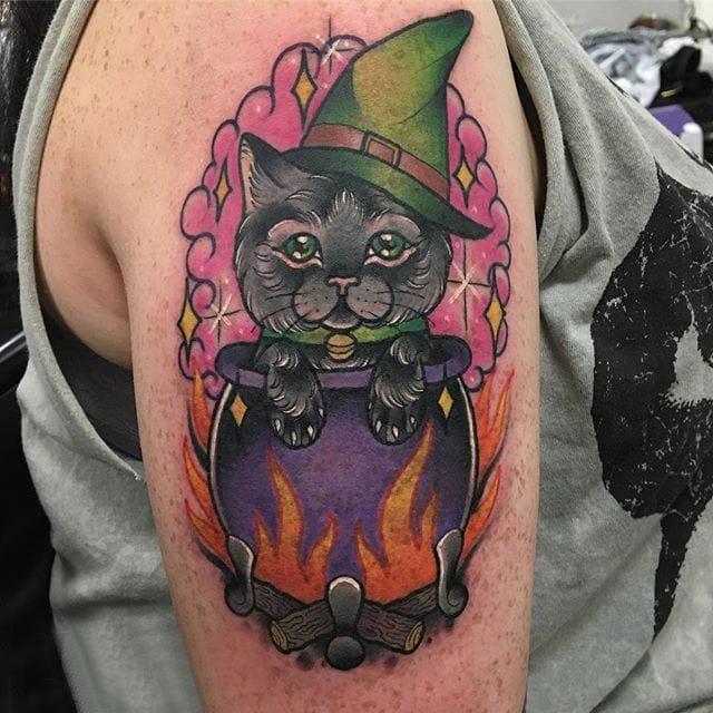 小猫咪纹身  男生手臂上创意的小猫咪纹身图片