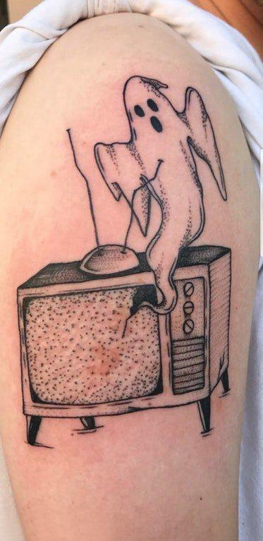 幽灵纹身图案 男生大臂上幽灵纹身图片
