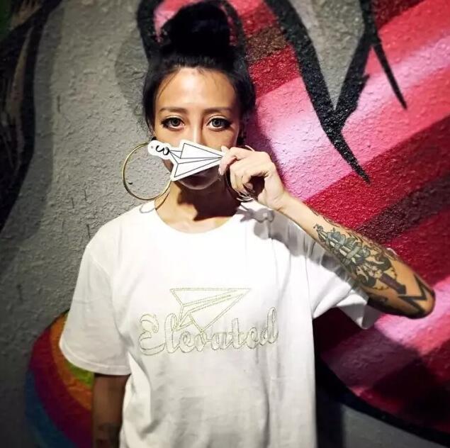 纹身美女诱惑写真图片