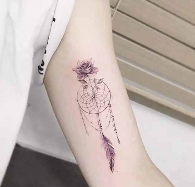 个性时尚的捕梦网纹身图案