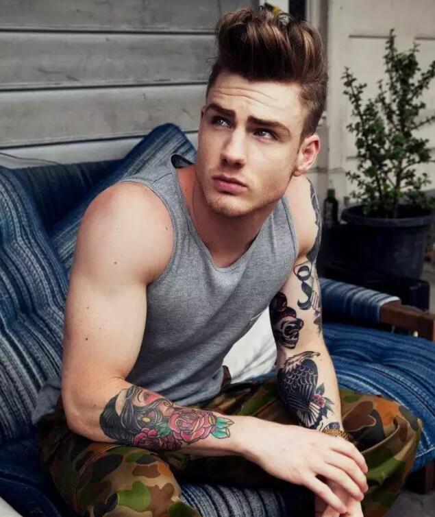 酷炫的欧美帅哥纹身图片
