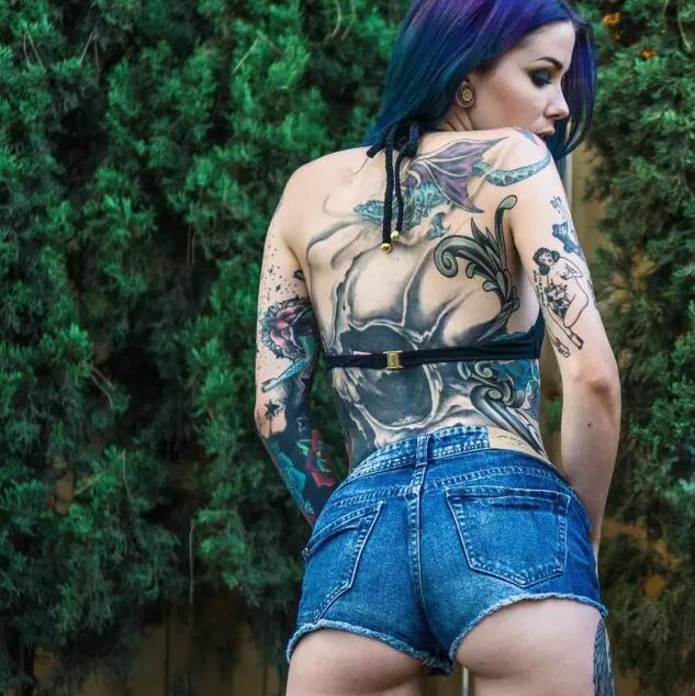 美女纹身图片尽显风情
