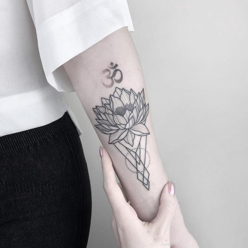 纹身佛    别具信仰力量的佛纹身图案
