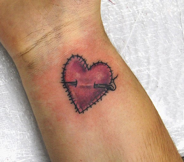 心形纹身图片   创意而又别致的心形纹身图案