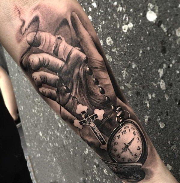 时钟纹身    钟声嘹亮的时钟纹身图案