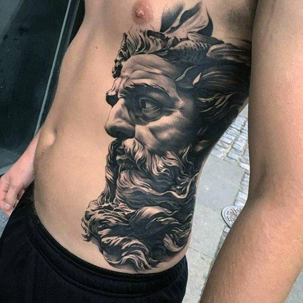 纹身胸口图案   写实而又表现力十足的胸口纹身图案
