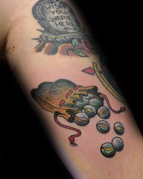 游戏 纹身   童年趣味十足的弹珠纹身图案