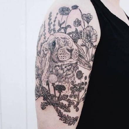 动物纹身-美国纹身艺术家Pony Reinhardt的作品兔子纹身图片