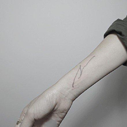 线条纹身图案-线条黑灰的水墨纹身图片