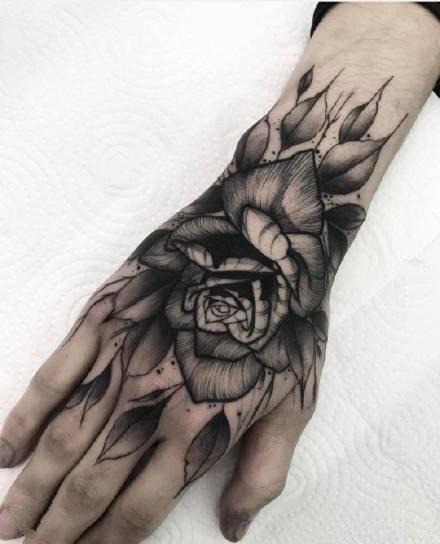一组暗黑霸气的欧美男生纹身图案欣赏