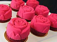 红玫瑰精致造型蛋糕图片