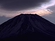 日本第一大高峰富士山下的春夏秋冬高清图片