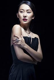 女星吉丽时尚杂志魅力造型
