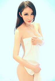性感女神裴希西大胆人体艺术摄影图片