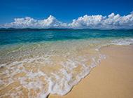 碧蓝海浪轻抚沙滩 海南三亚唯美风景图片