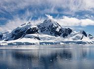白雪茫茫冰山美丽风景图片