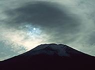 巍然耸立的富士山唯美壮丽图集