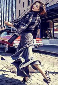 刘涛高跟长腿大展热辣姿态街拍