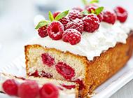 甜而不腻的树莓小蛋糕图片