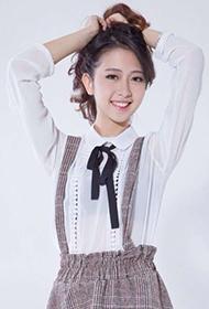 卓仕琳甜美笑容清纯文艺范写真