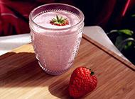 酸奶草莓奶昔口感香甜幼滑
