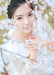 90后清纯少女白纱长裙唯美人体艺术写真