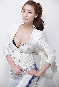 时尚美模白衣棚拍