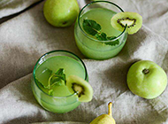 酸甜可口的鲜榨奇异果汁图片